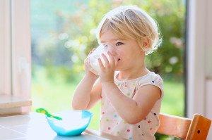 Les-enfants-qui-boivent-du-lait-de-soja-grandissent-moins_exact1024x768_l